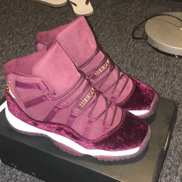 best sneakers 750e9 e79f1 Authentic Jordan Heiress 11's - Burgundy